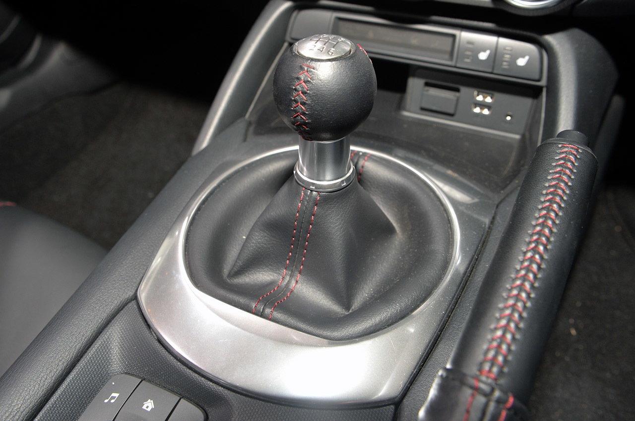 2016 Mazda MX-5 Miata Gear