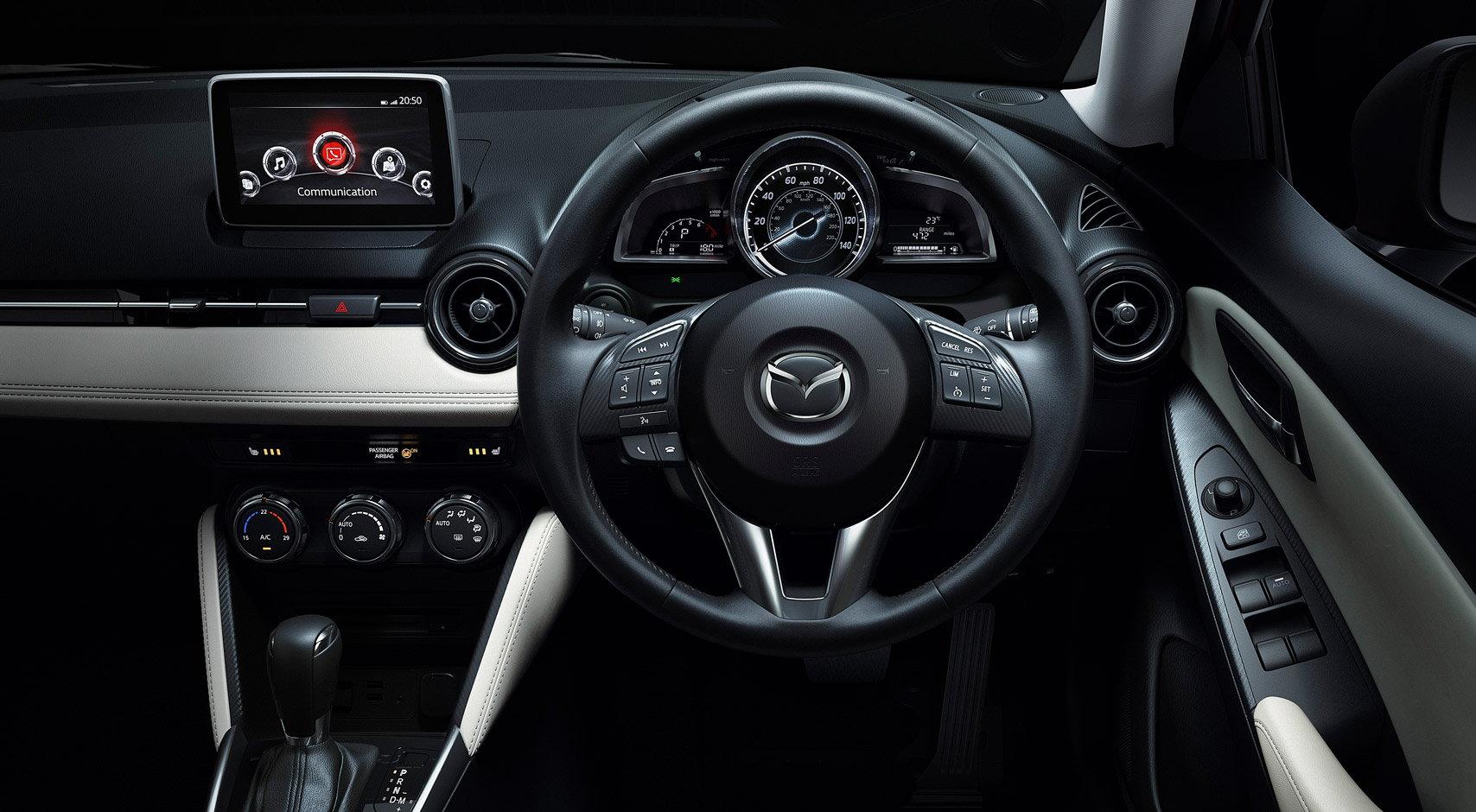 Mazda Mazda2 Dash