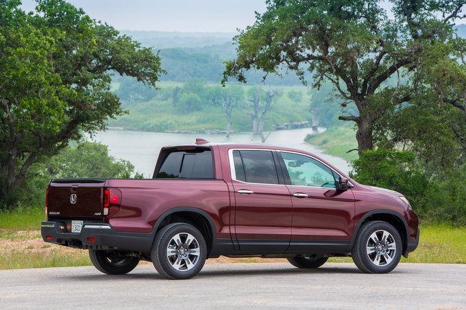 2018 honda ridgeline preview pricing release date for Honda ridgeline vs chevy colorado