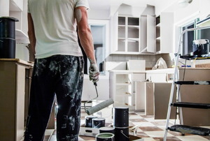 A big mess in a kitchen paintjob.