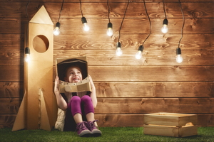 3 Kid-friendly Things you Can Make With a Cardboard Box