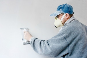 How to Strip Paint From Drywall