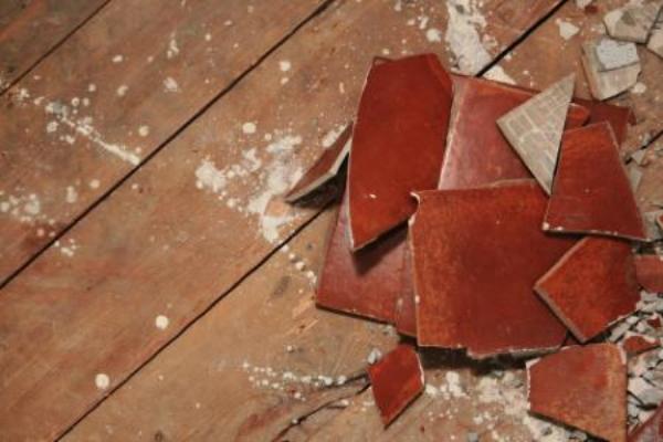 Removing ceramic tile - Removing ceramic tile from bathroom walls ...