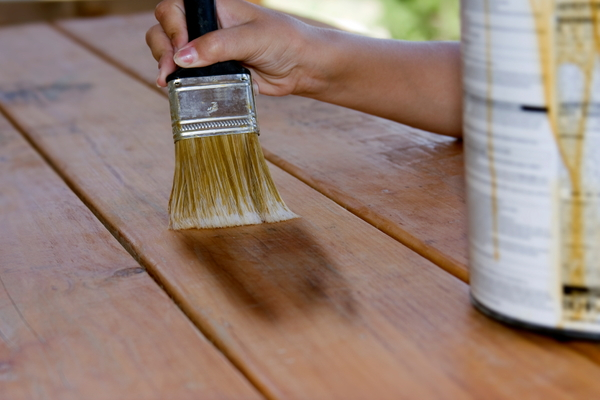 Easy Ways To Remove Wood Stain Doityourself Com