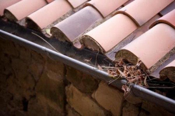 6 Home Repairs To Make Before It S Too Late Doityourself Com