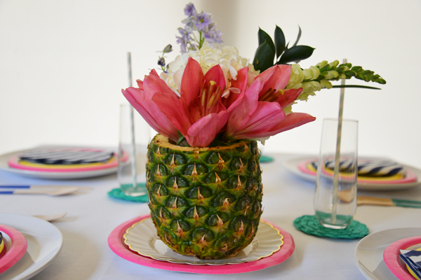 Beautiful and colorful summer table settings ideas