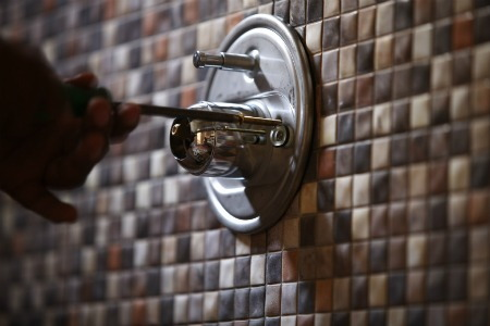 Repair Your Leaky Single Handle Shower Faucet