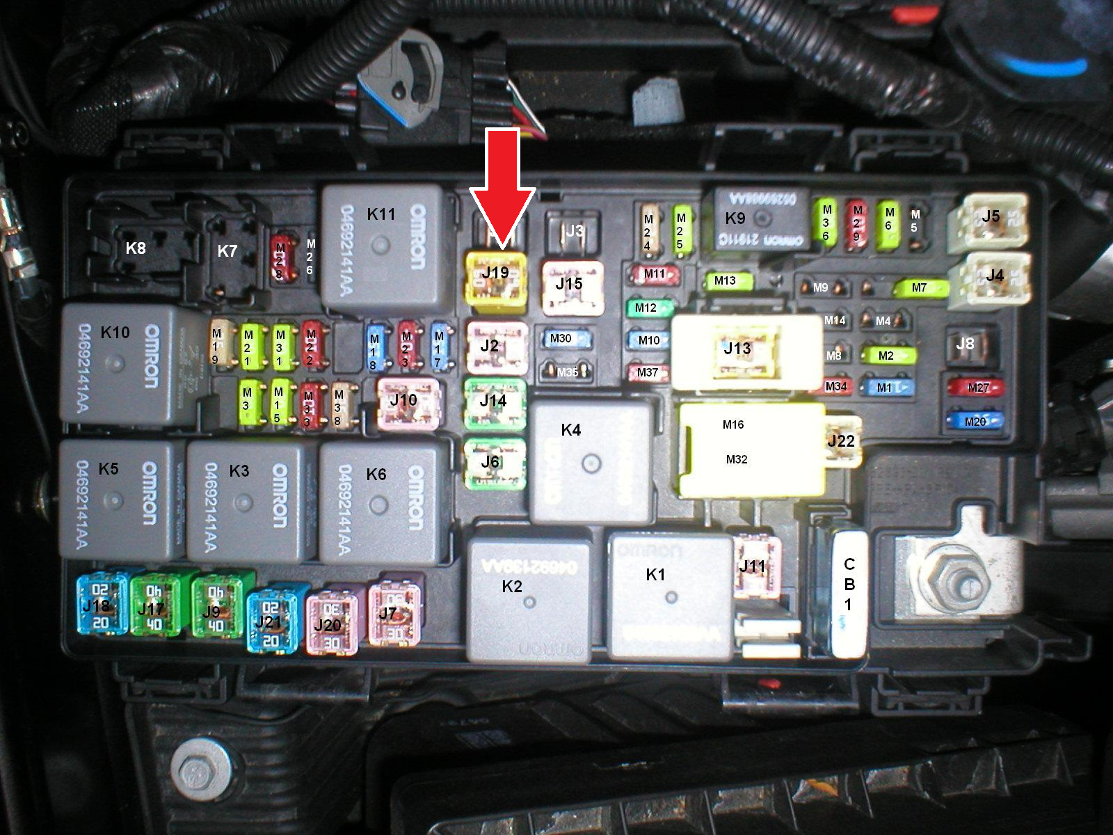 jk wrangler fuse box jeep wrangler jk 2007 to present why does cooling fan not ... jeep jk aux fuse box