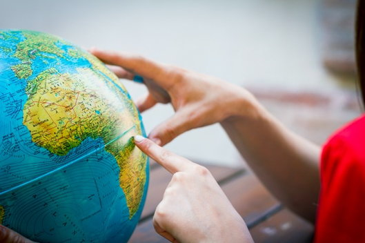 Sober Friends Around the Globe: How and Where to Find Them