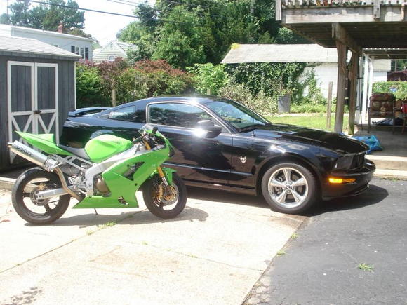 09 GT and 04 Kawasaki ZX-6R