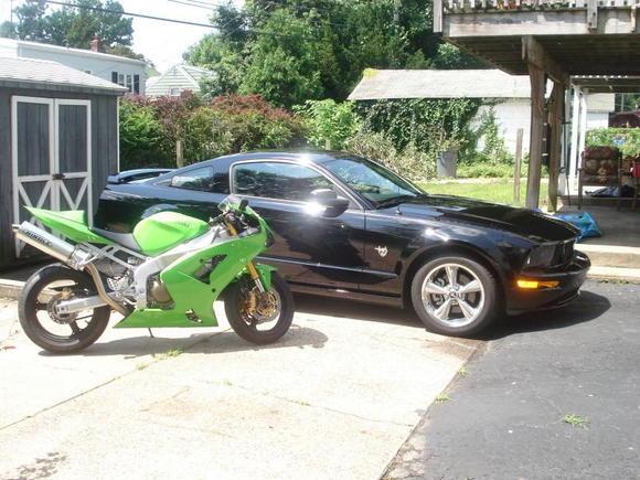 09 GT and 04 Kawasaki ZX-6R