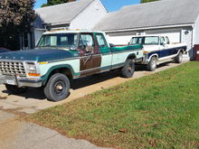 My plan is/was to swap the 2wd body onto the 4wd,  I wish I had the aluminum wheels on the 79 still in this pic