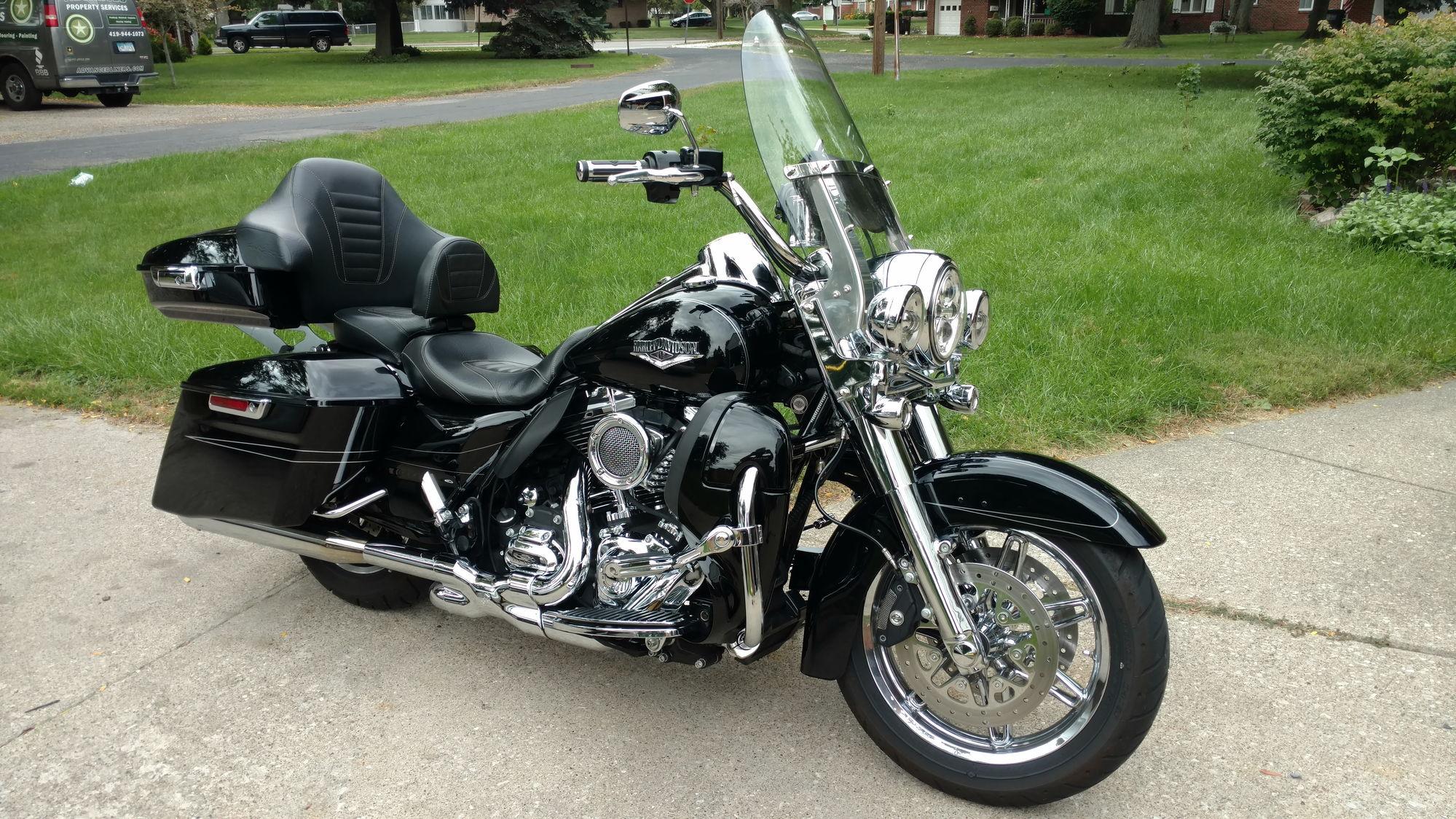 Rushmore Tour Pak Harley Davidson