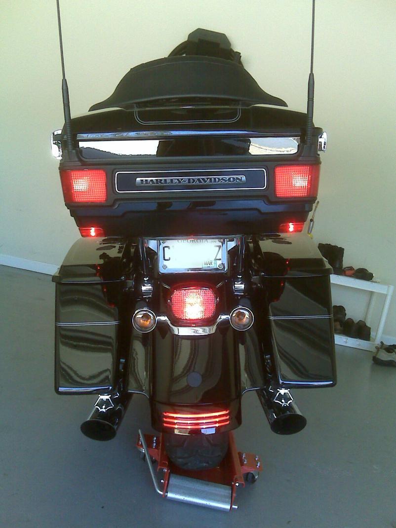 2011 Harley Ultra Limited Saddlebag Filler Rear Fender
