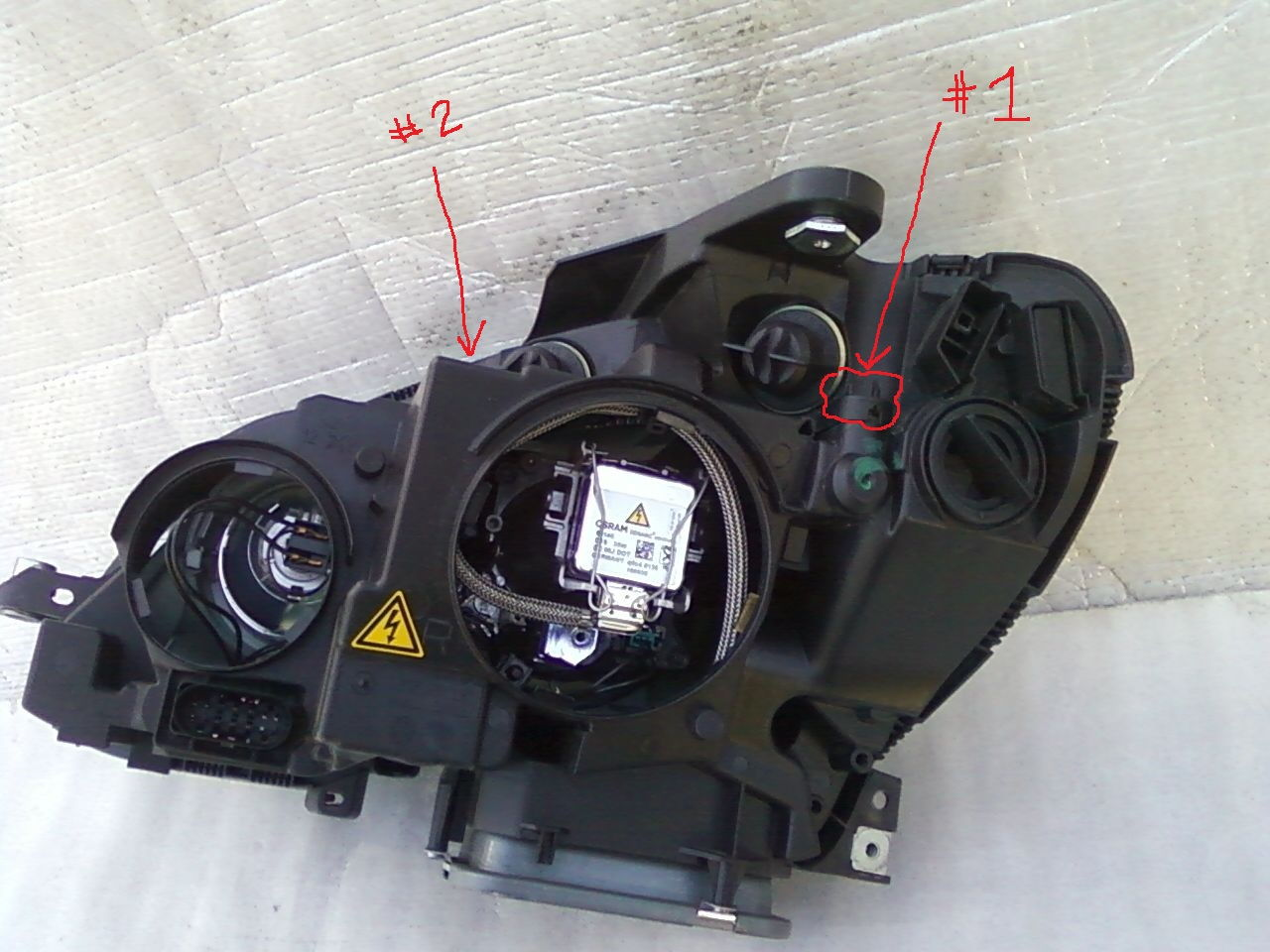 Can I Replace Oem Halogen Headlights C180  2013  With Bi