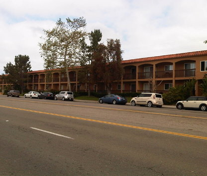 Reviews Prices For Clairemont Arms Apartments San Diego Ca