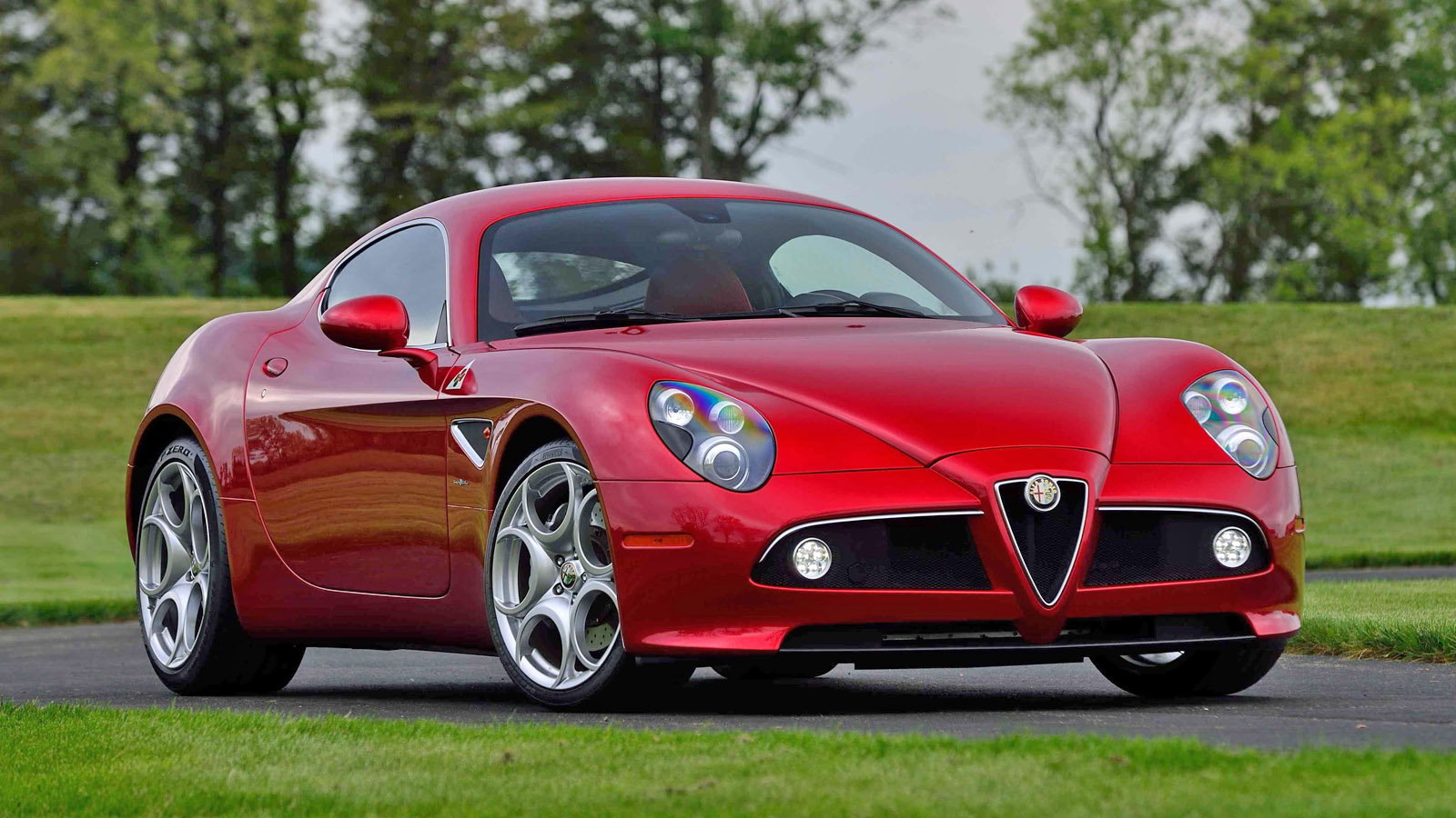 Alfa Romeo's All New Super Car 8C