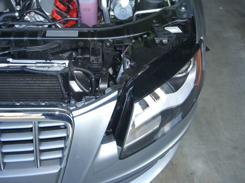 Audi A4 B8: How to Replace Headlight Bulbs | Audiworld