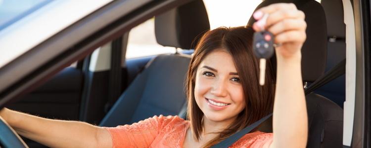 ¿Existen multas por pago anticipado en los préstamos para automóviles?