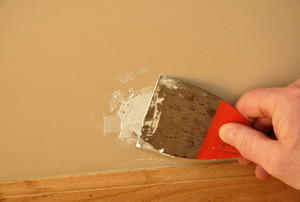Puttying a hole in drywall