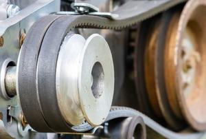 transmission belt on pulleys