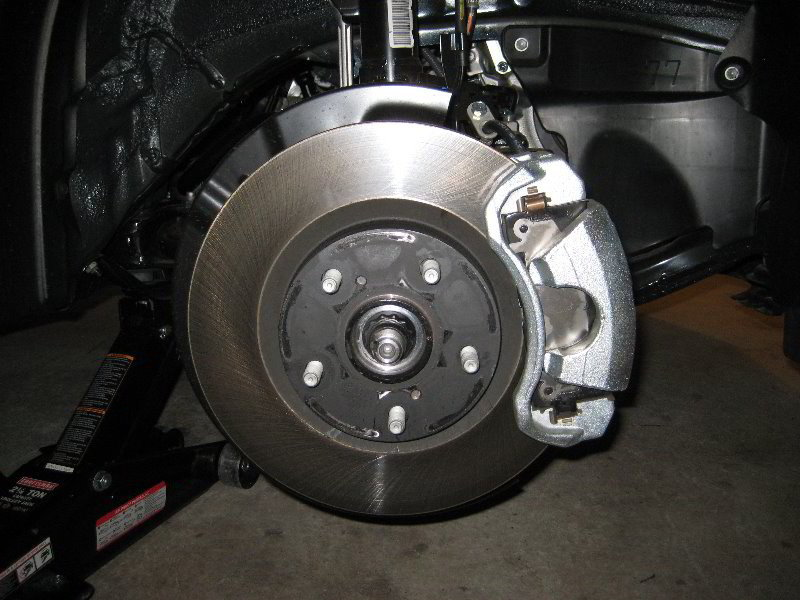 toyota camry 1997 2011 how to replace brake pads calipers and rotors camryforums. Black Bedroom Furniture Sets. Home Design Ideas