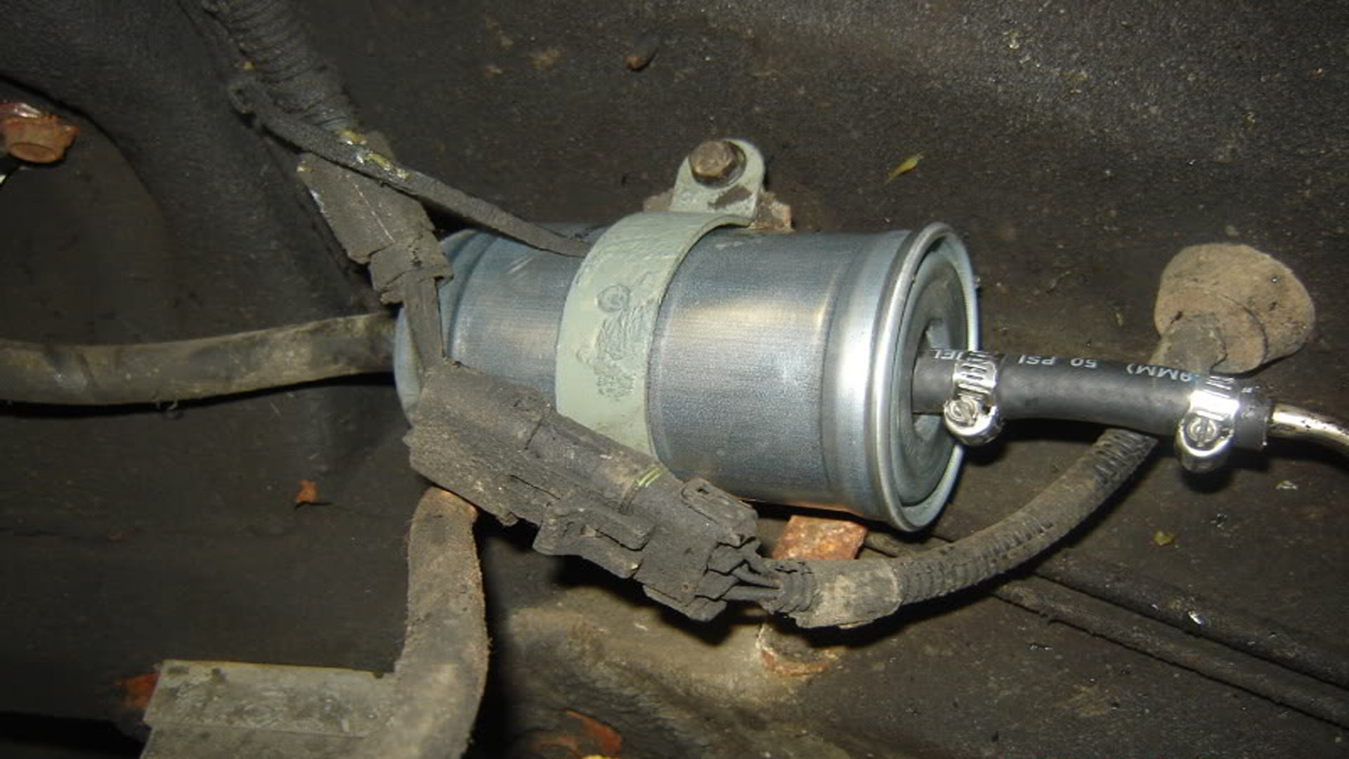 Jeep Grand Cherokee ZJ 1993-1998: How to Replace Fuel Filter | CherokeeforumJeep Cherokee Forum