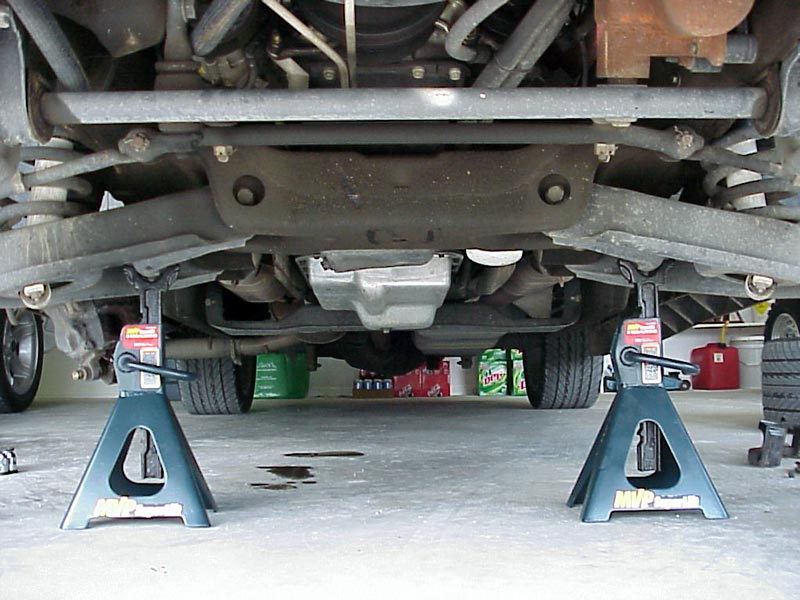 331459284014 likewise 1997 Chevy Silverado 1500 Single Cab Step Side besides 1007dp Cummins Lift Pump Upgrade besides Question 72347 moreover 258634 Leveling Kit. on 2001 silverado frame