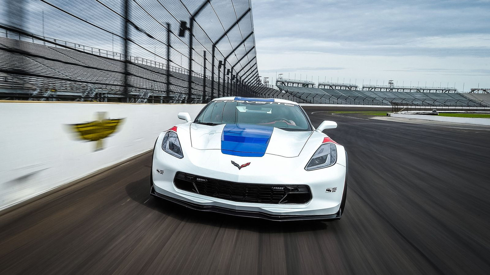 6 Insider Tips on How to Become a Pro Driver