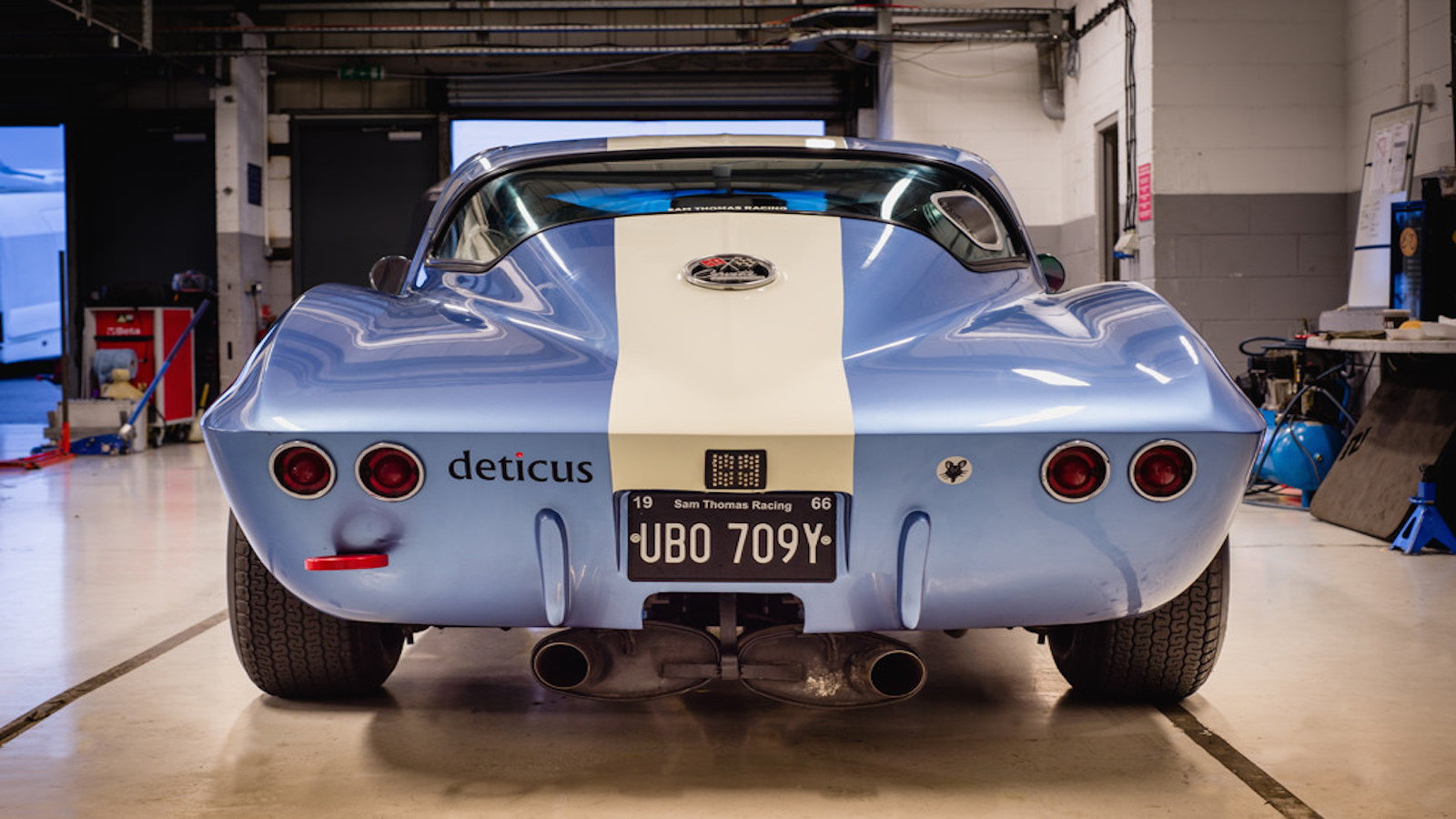 C1 and C2 Corvettes Take to the Track at the Goodwood Revival