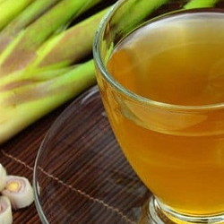 fresh lemongrass and lemongrass tea
