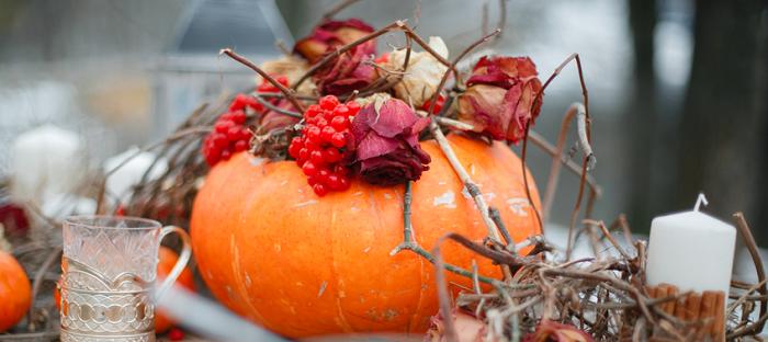 table decorations using pumpkins