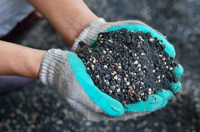 safely handling plant food