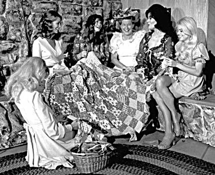 Minnie Pearl at a quilting bee