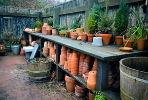 How to Make an Outdoor Potting Bench