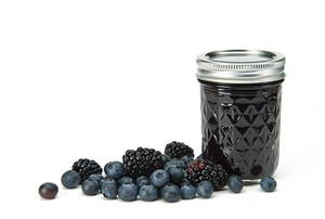 blueberry blackberry jam with fresh fruit