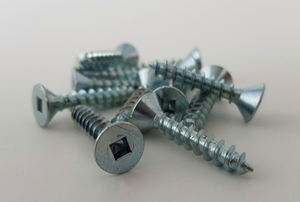 screws with square holes on top