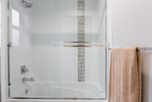 Applying Wax to Shower Doors