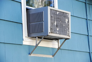 A window AC unit.