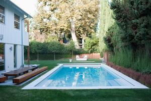 The Great Pool Debate: Salt Water vs. Chlorine