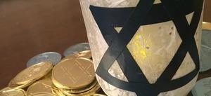 DIY Hanukkah Mason Jar Gift