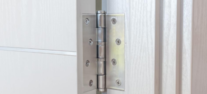 installing self closing screen door hinges