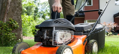 How to Adjust the Throttle of Your Self-Propelled Lawn Mower
