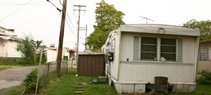 Advice For Changing The Curtains In Your Mobile Home Doityourself Com
