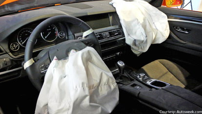 How to Reset an Airbag Light | DoItYourself com