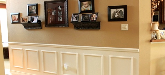 wall with picture frame wainscoting