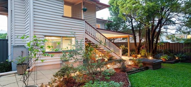 How To Install Landscape Timber Edging Doityourself Com