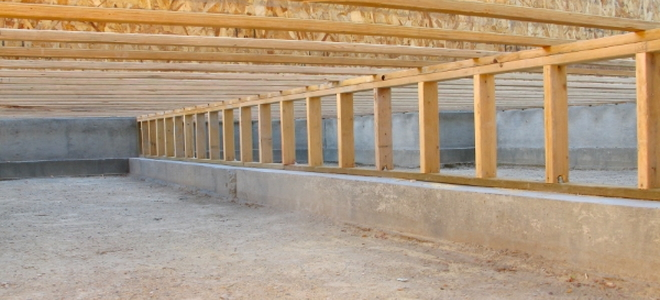 Tips On Drying Out A Damp Crawlspace Doityourself Com