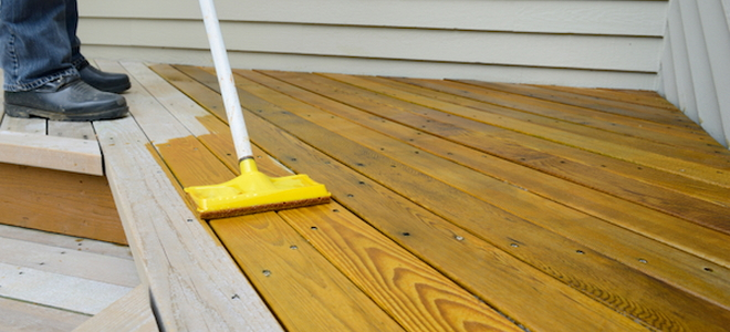 6 Cedar Decking Stain Tips Doityourself Com
