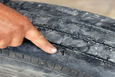 tips for identifying dry rot in car tires. Black Bedroom Furniture Sets. Home Design Ideas